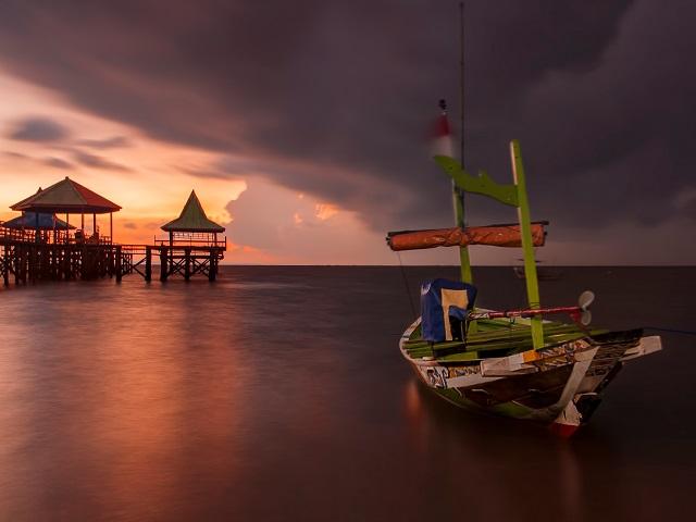 Lokasi Wisata Horor Terkenal di Pulau Jawa yang Bikin Merinding